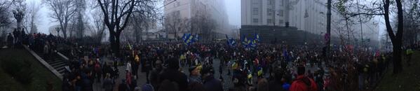 Huge crowd on Grushevskogo.