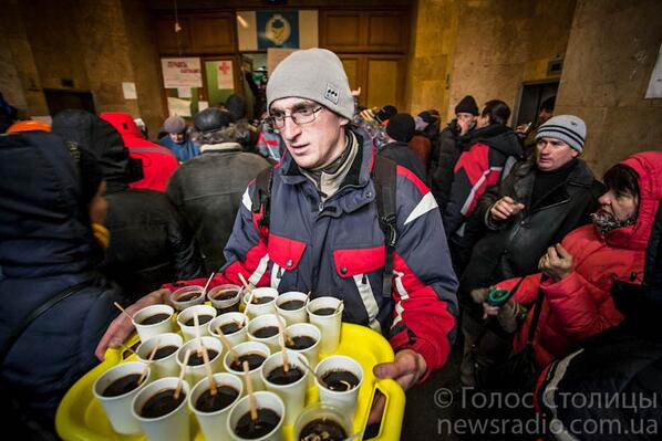 Euromaidan's revolutionary kitchen is now headquartered in seized Trade Unions House in downtown