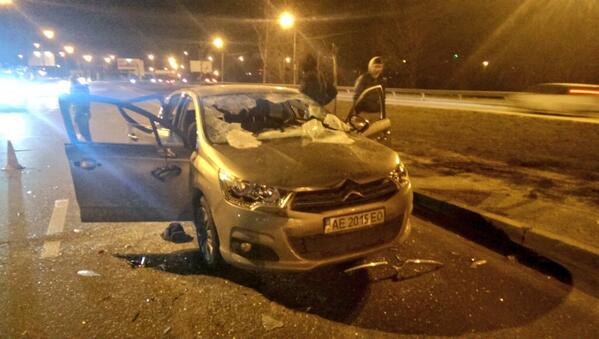 Berkut brutally smashed car on Bohatirska and got a hostage in the bus
