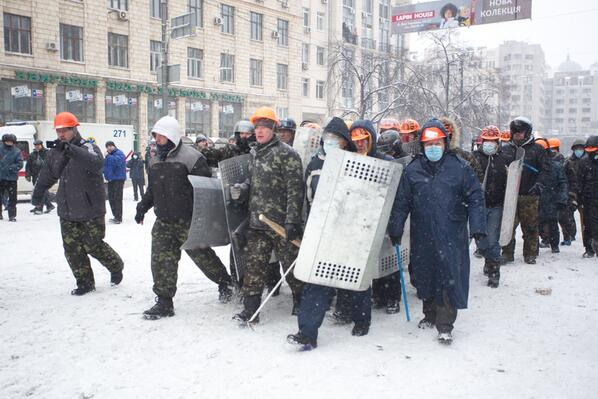 Reinforcement goes from the Maidan on Hrushevskoho
