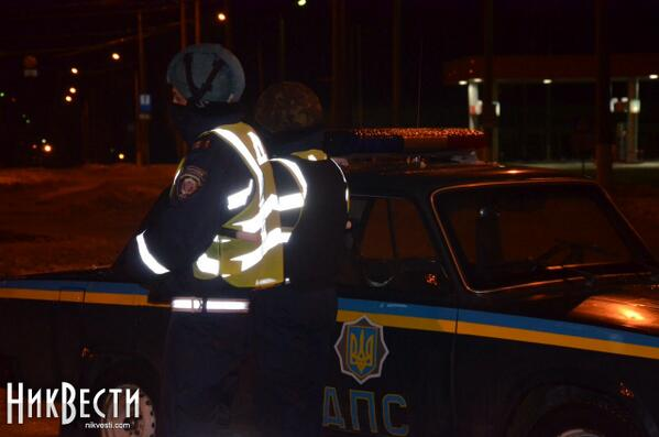 Entries to Nikolaev guarded by security officers in helmets