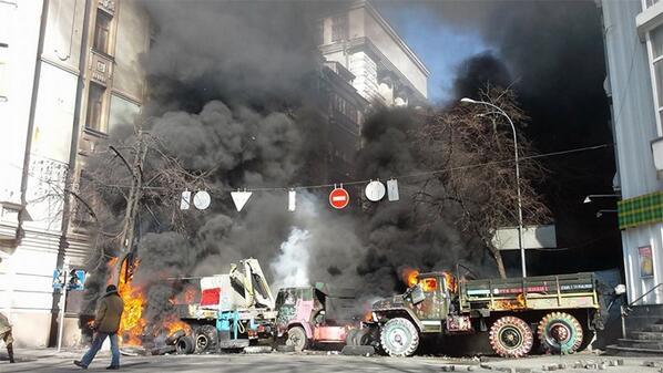 Trucks burning at Sadova street, Kyiv