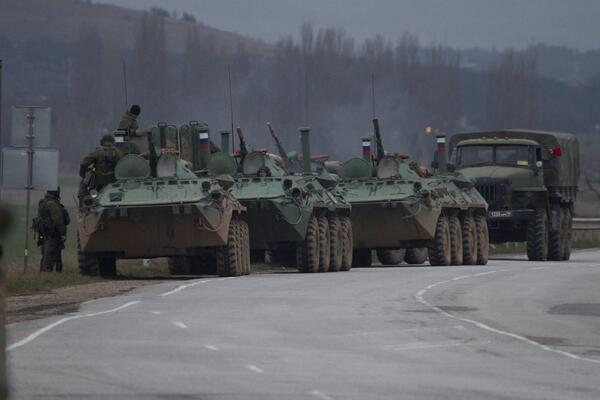 AP in Crimea spots convoy of Russian armored personnel carriers en route to capital