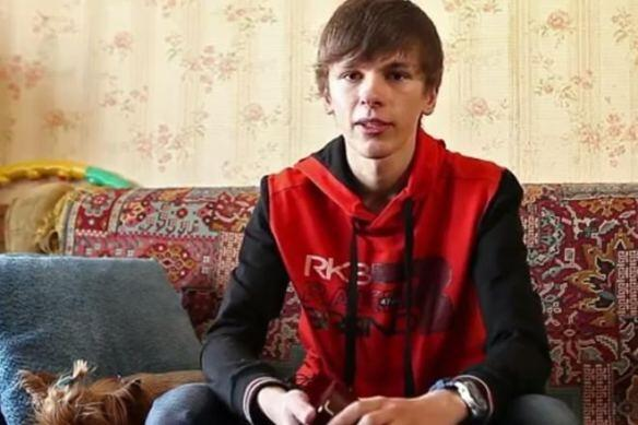 Kyiv high school student returned the watch given to him by Putin
