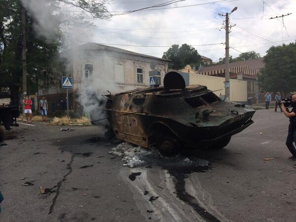 Aftermath of today's heavy fighting in Mariupol, Eastern