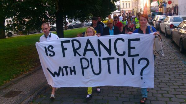 Ukrainians protested in Prague against the delivery Mistral to Putin