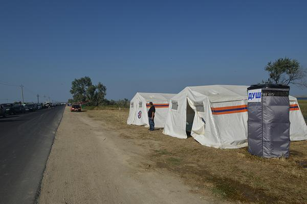 Tents to support those who stuck before Kerch ferry