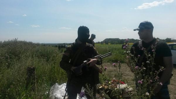 Osce arrives at scene of cockpit with armed separatist fighters