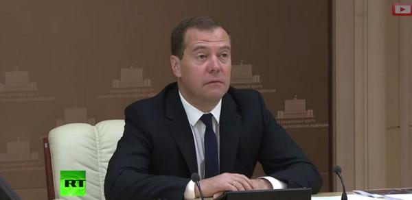 RUS PM Dmitry Medvedev held a meeting on assistance to refugees from Ukraine