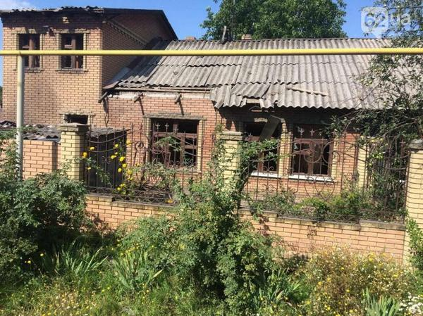 Petrovka district in Donetsk after shelling