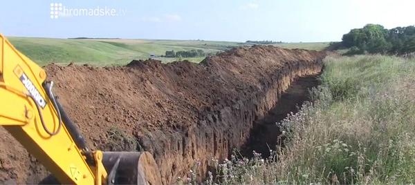 Border guards are digging out of Russia