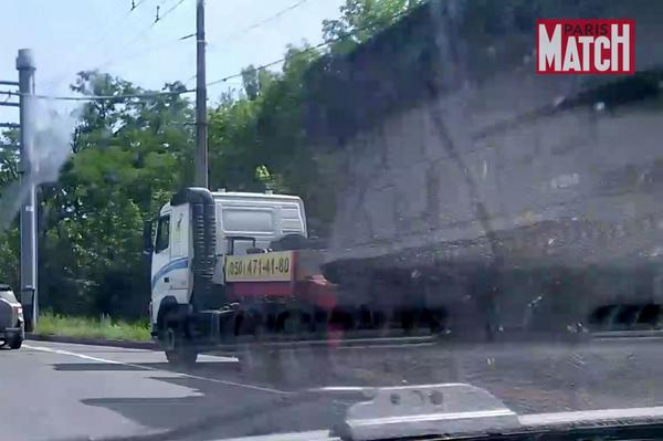 New photo of the truck with Buk in the morning of July 17 near Snizhne MH17 Boeing777