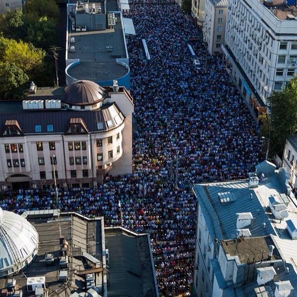 Muslims celebrate Eid al-Adha in Moscow