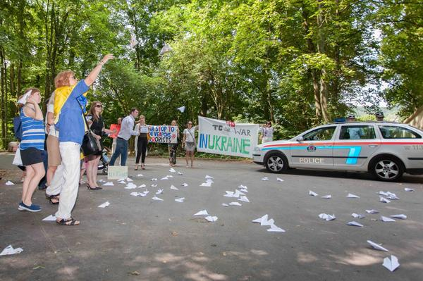 No war in Ukraine. Protest at Russia's  Embassy in Luxembourg