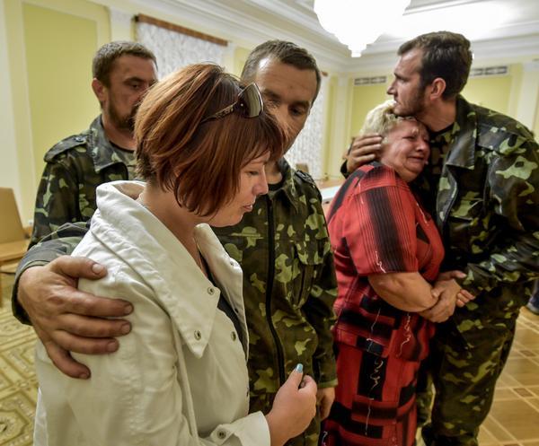 Poroshenko: 17 hostage were released today in Horlivka