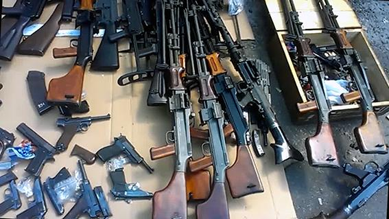 Police have detained arms dealers with a large amount of weapons in Kyiv