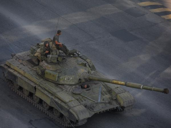 Tanks and APCs in Donetsk