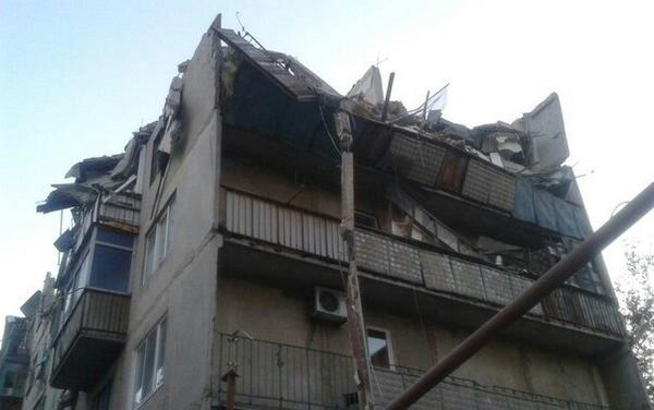 House in Snizhne after shelling