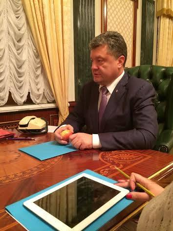 President endorsed the action of solidarity with the poles Jedz Jablka Na Zlosc Putinowi