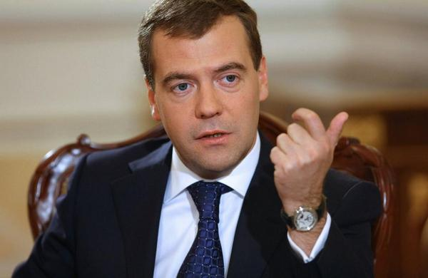 Medvedev: Russia closes its airspace for Ukrainian airlines