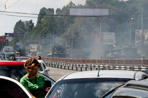 Tanks spotted in Kyiv
