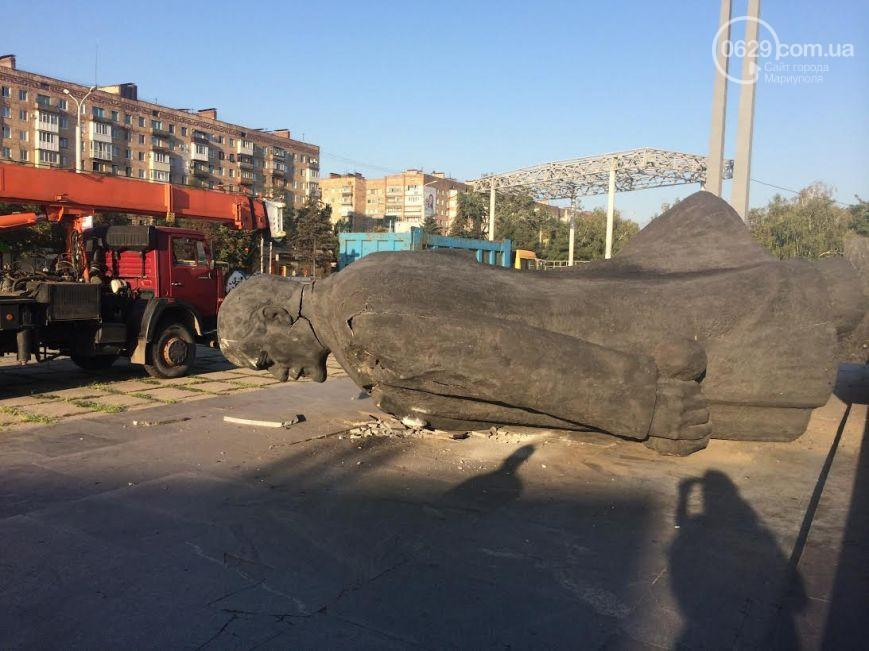 Statue of Lenin was toppled in Mariupol
