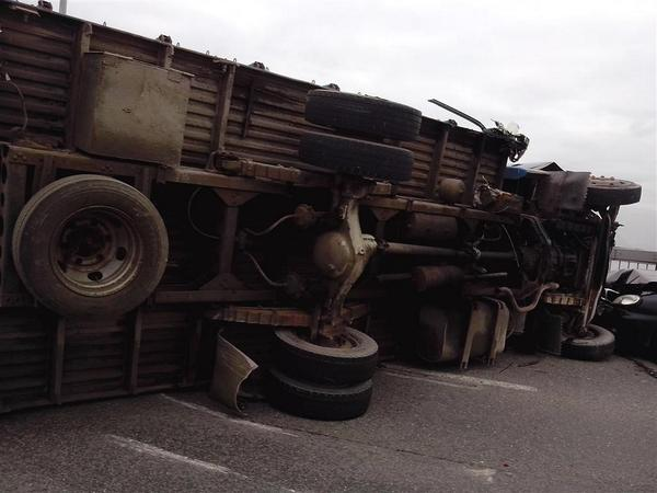 Russian army truck with weapons overturned in Voronezh region. Truck with Ukrainian plates
