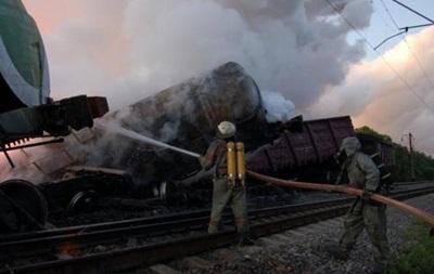 Freight train derailed in Cherkassy region, 11 fuel tanks are burning