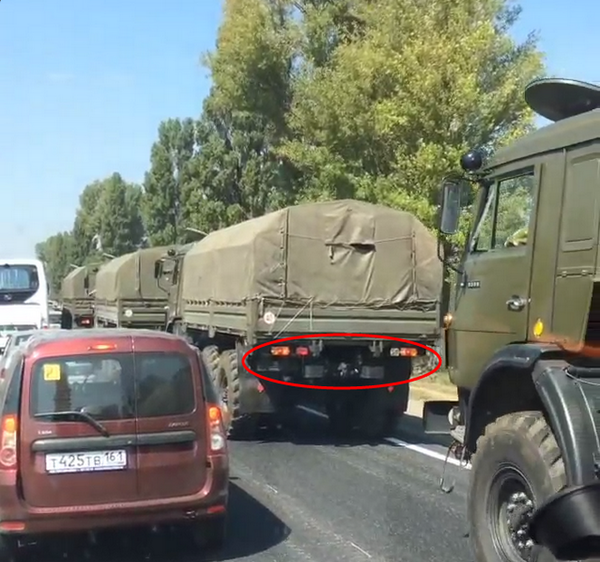 Russian military convoy spotted in Tahanrig w/ no license plates