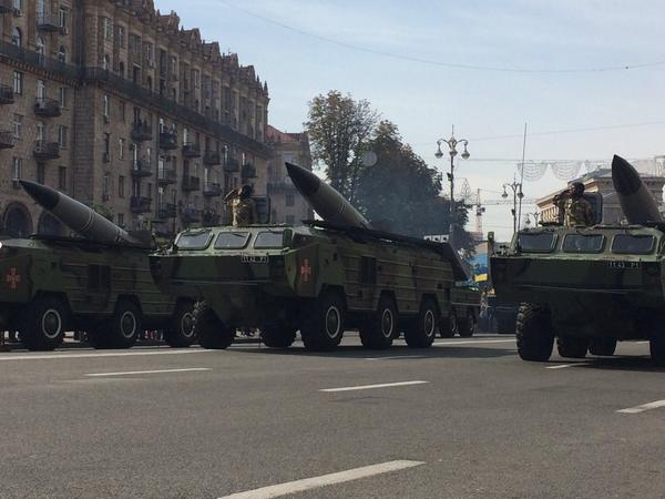 Poroshenko said all the hardware would go straight from this parade to the front. Just like Moscow, 1941 Ukraine