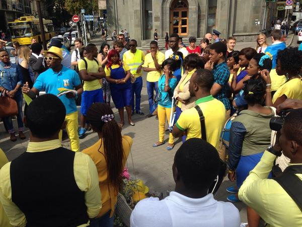 Group of African students in Ukrainian colours out in Kyiv for Independence Day