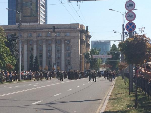 Ukrainian POWs forced to march through Donetsk today