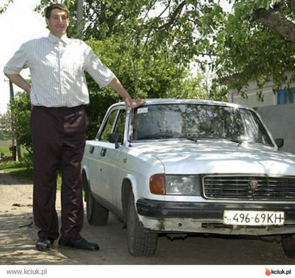 The Ukrainian Leonid Stadnyk,  the tallest man in the world(2.60 meters), died at the age of 44