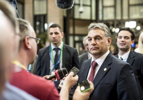 The PM of Hungary will seek EU supporters of improving relations with Russia