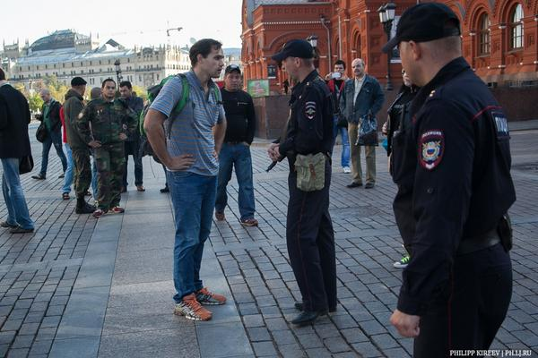 Moscow. Mass protest against the war. One came. Was detained