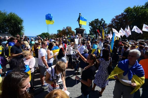 Odesa, rally against Russia|n invasion. People blame Putin in aggression but believe Russian people can stop him