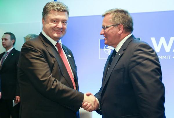 President of Ukraine Petro Poroshenko had a meeting with President of Poland Bronislaw Komorowski @NATOWales