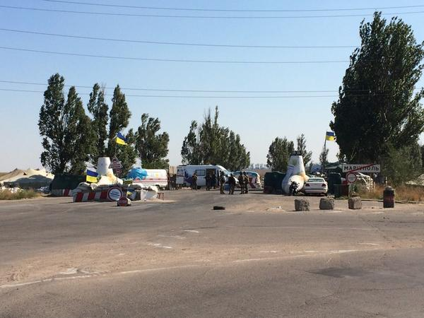 The last Ukraine forces checkpoint before the front - to the east of Mariupol