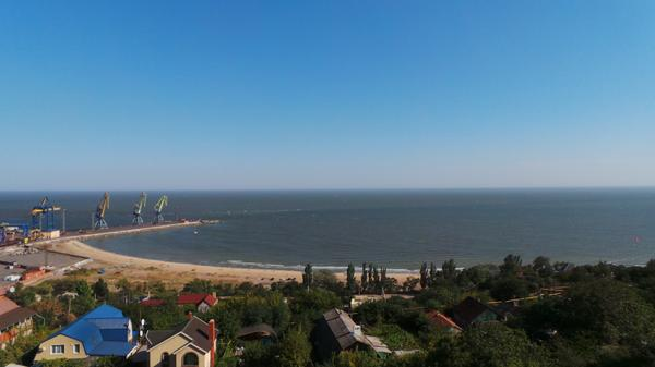 The port of Mariupol is empty. Earlier at least 10 ships daily