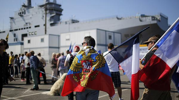 French protesters unite against govt's suspension of Mistral delivery to Russia
