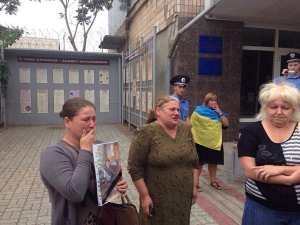 In Zaporozhye rally near the military enlistment office Bring our children from ATO