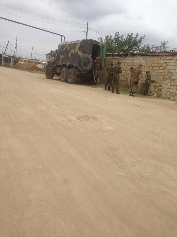 Russian troops have surrounded a mosque in Derbent