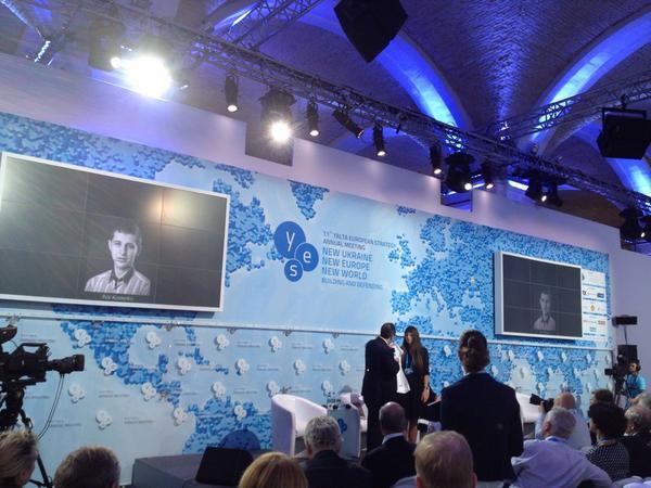 Jimmy Wales awarded as Wikipedist of the Year a Ukrainian guy killed at maidan Igor Kostenko wikipedia