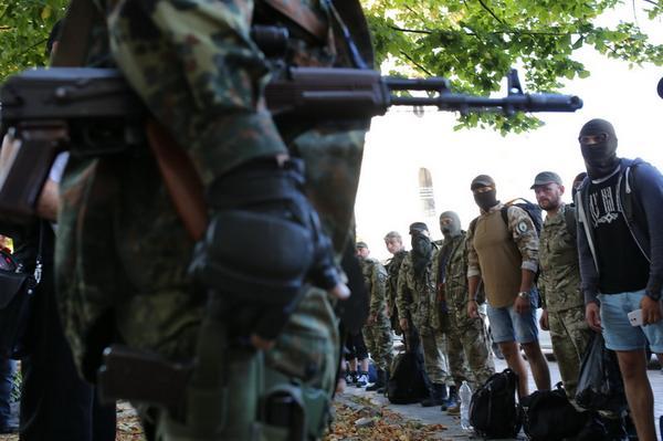 Azov Battalion fighters arrive in Kyiv