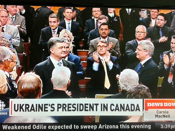 Poroshenko gets standing ovation in Canadian parliament. Ukraine