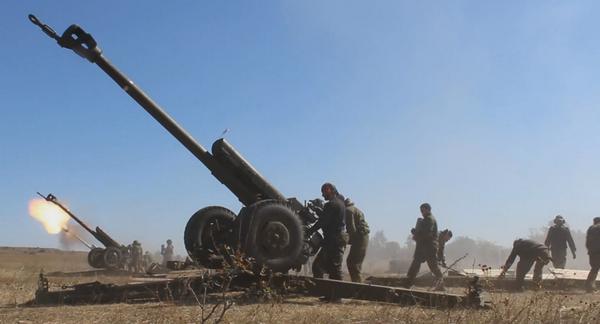 Artillery firing in Stakhanov