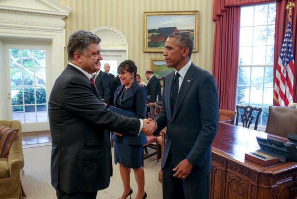 @Poroshenko Agreed with @BarackObama that Ukraine will receive US$ 1 billion in financial guarantees.