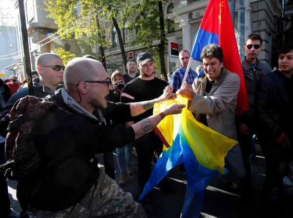 Small clashes with provocateurs in Moscow