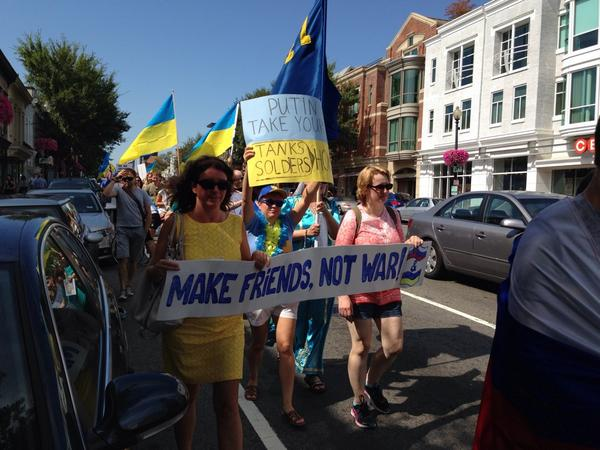 The DC Peace March column marching towards the Russian embassy