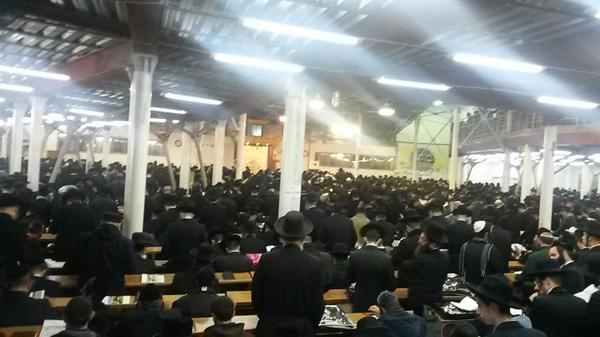 1000s saying now seliches Zechor Bris at the kloiz in Uman